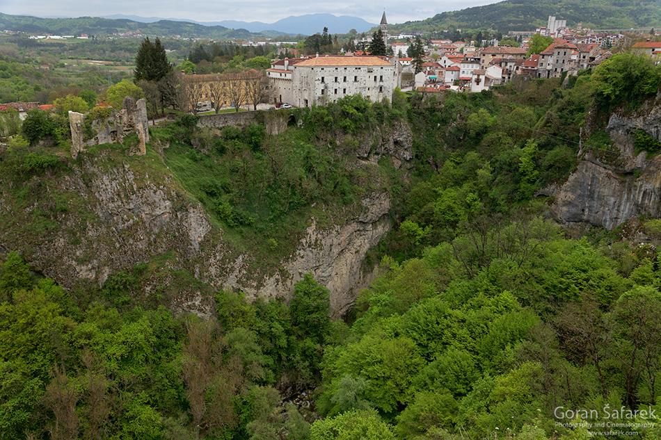 croatia, istria, pazin, pazinčica, fort, chams, abyss